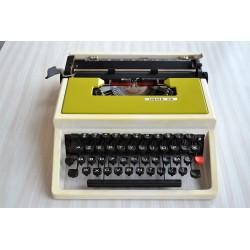 Machine à écrire UNION 316...
