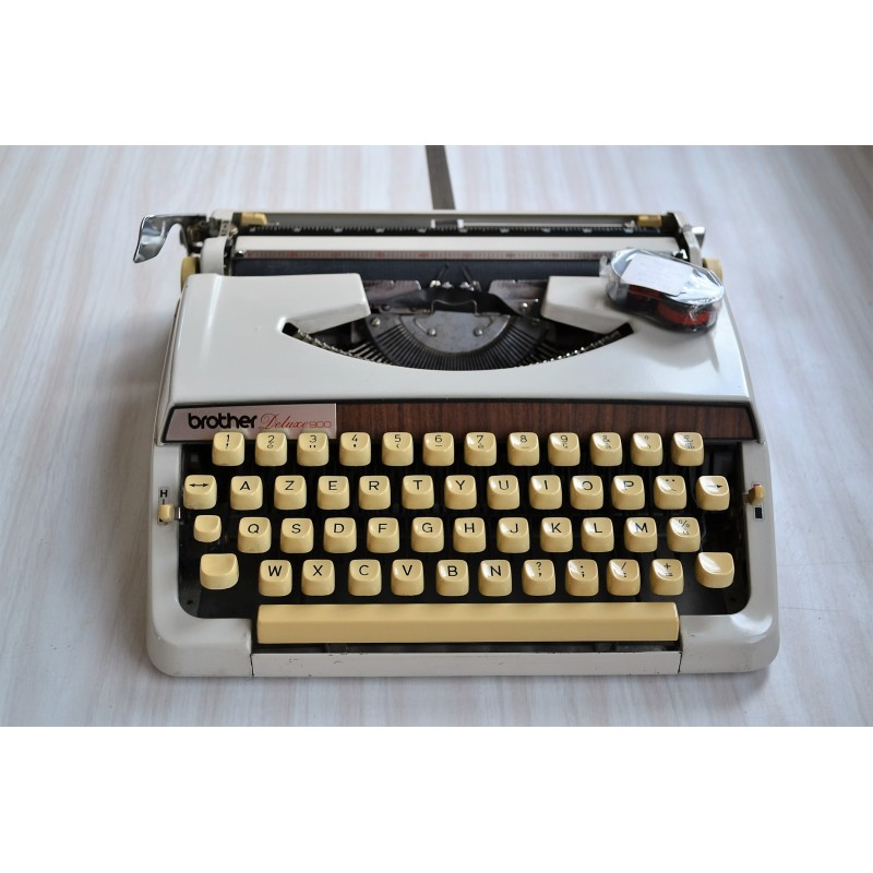 Machine à écrire Brother Deluxe 900 - vintage 1970s