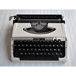 Machine à écrire Brother...