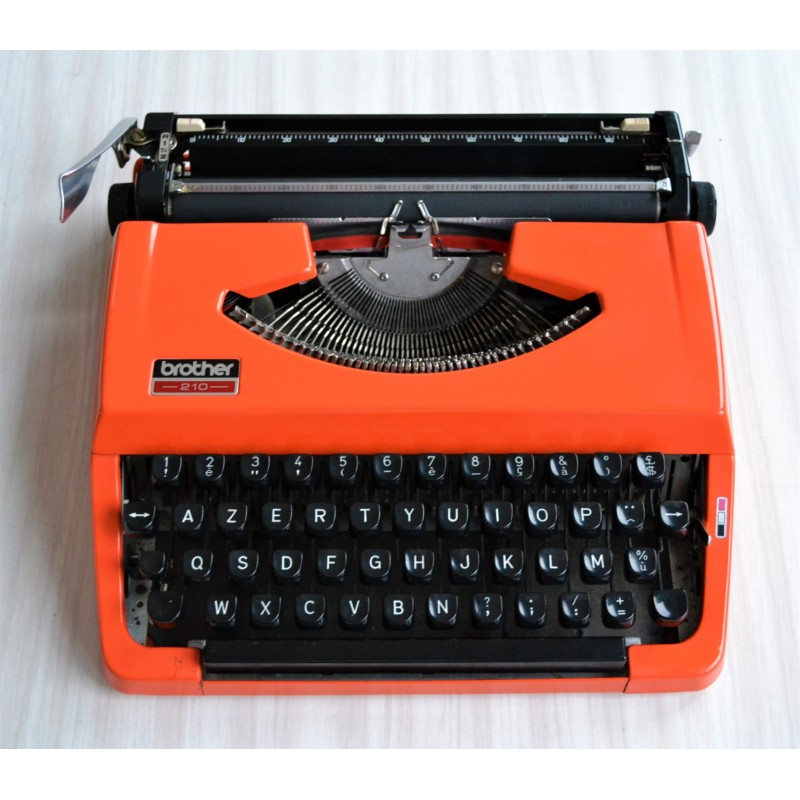 Machine à écrire orange BROTHER 210 - vintage 1970s