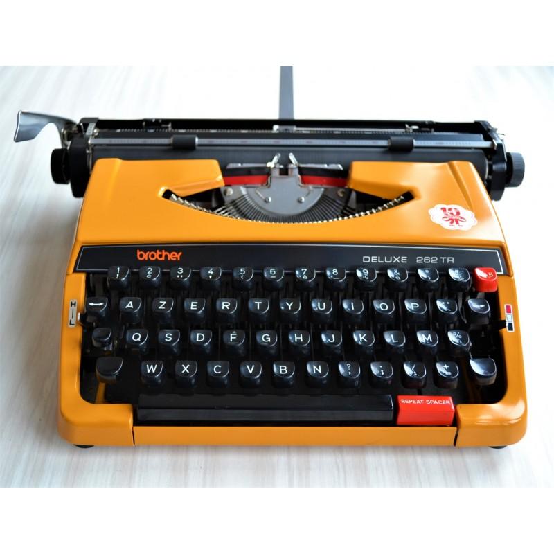 Machine à écrire mécanique portative Brother Deluxe 262TR - vintage 70 80
