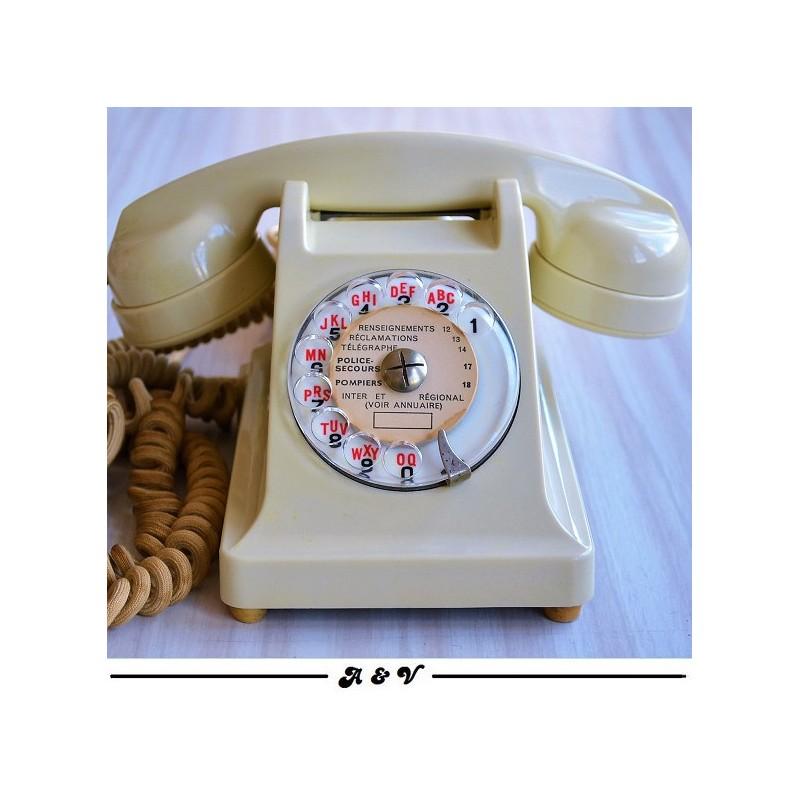 Téléphone PTT rétro en bakélite des années 60