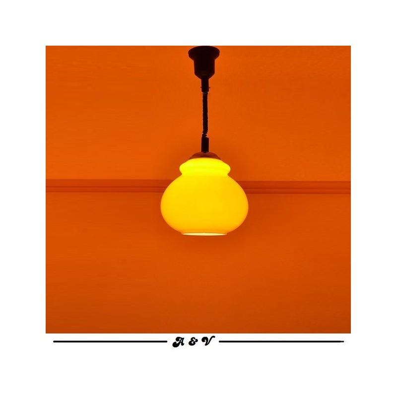 Suspension en Opaline orange des années 70