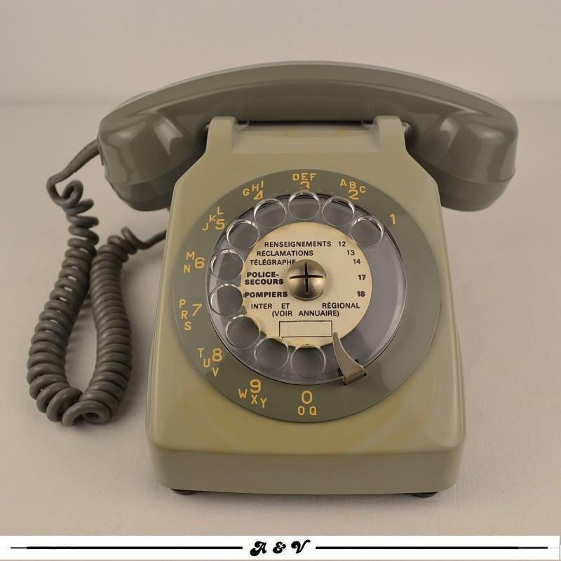 Téléphone Socotel S63 gris à cadran - vintage 1970s