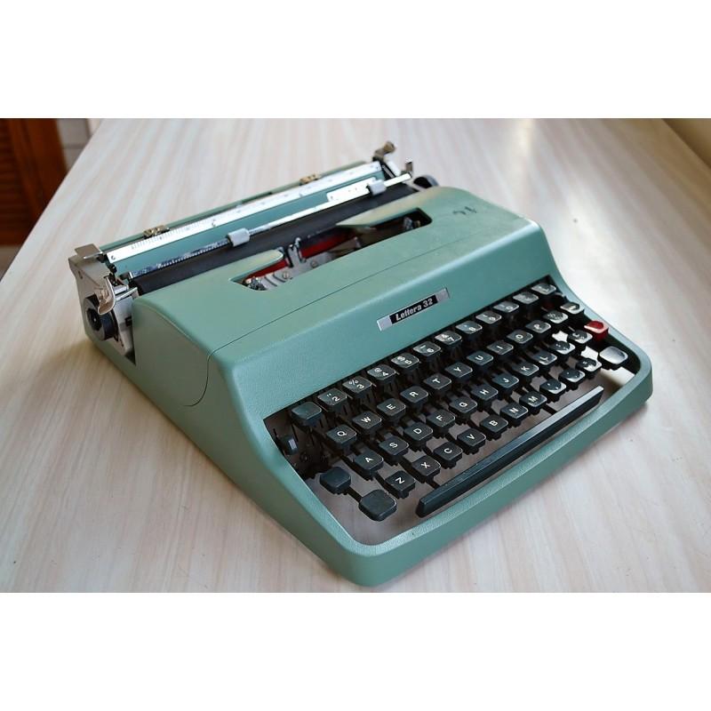 Machine à écrire portative Olivetti Lettera 32