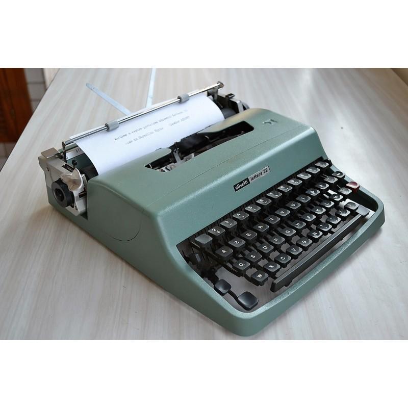 Machine à écrire portative Olivetti made in Spain