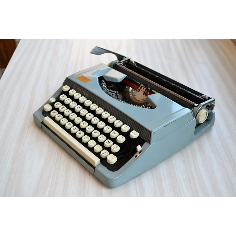 Machine à écrire portative BROTHER des années 60