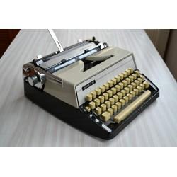 Machine à écrire ADLER...