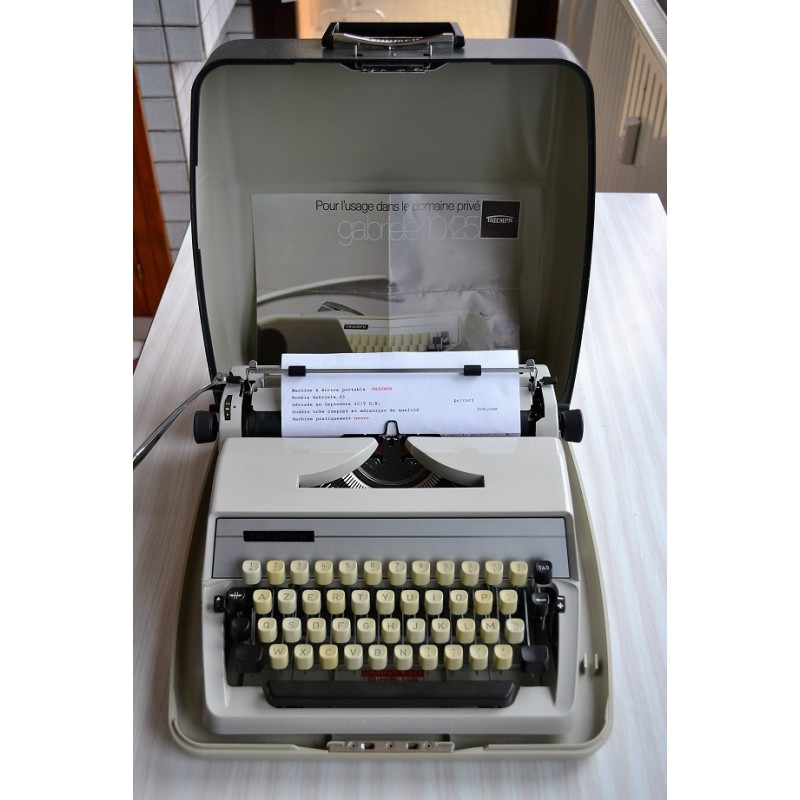 """Machine à écrire portative TRIUMPH """"Gabriele 25"""" - TBE"""