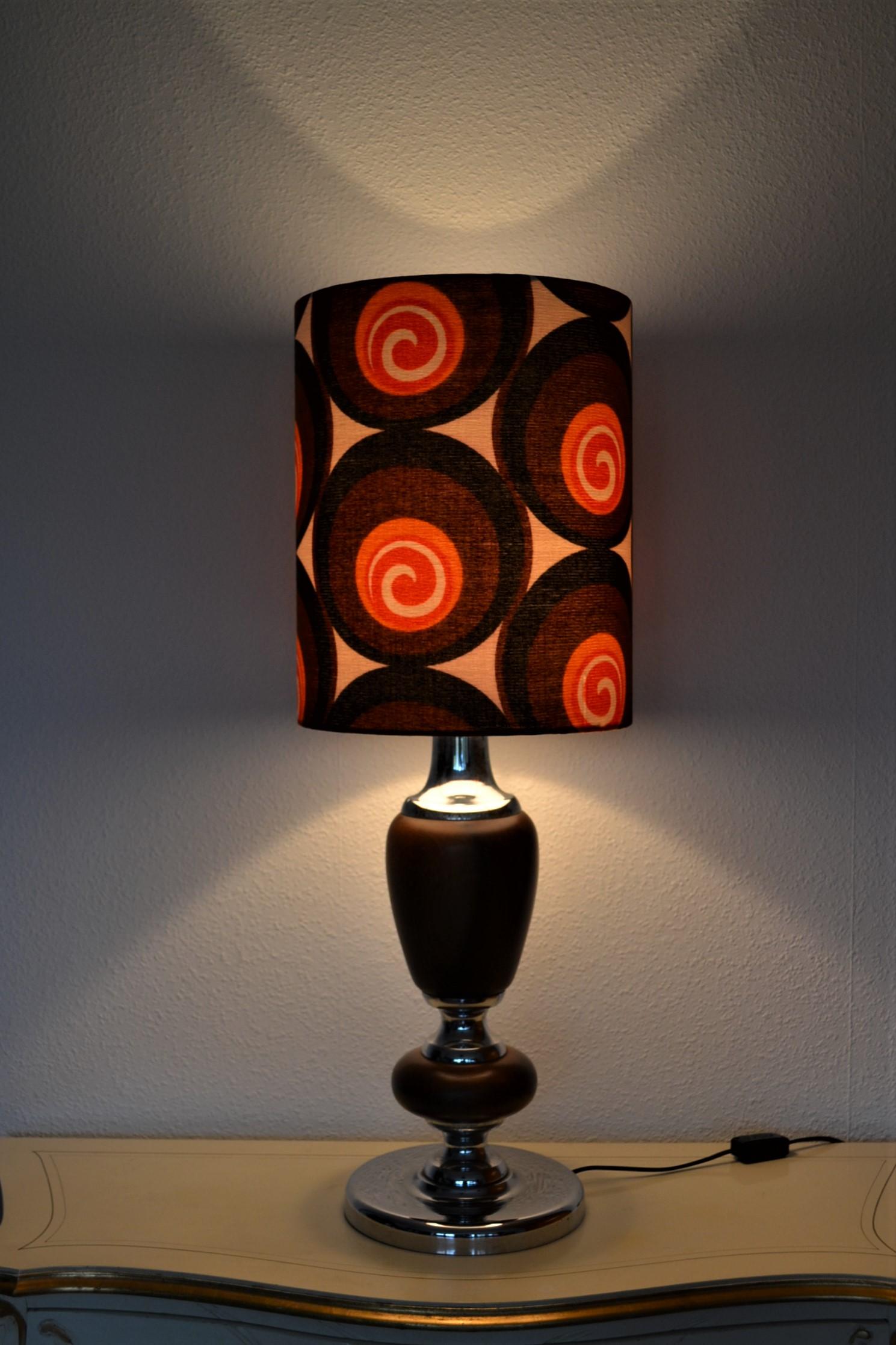 Lampe de sol Spiralo - abat-jour vintage 1970